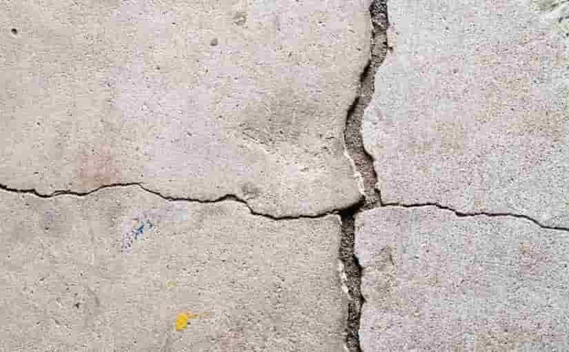 solusi terbaik cara mengatasi retak balok beton